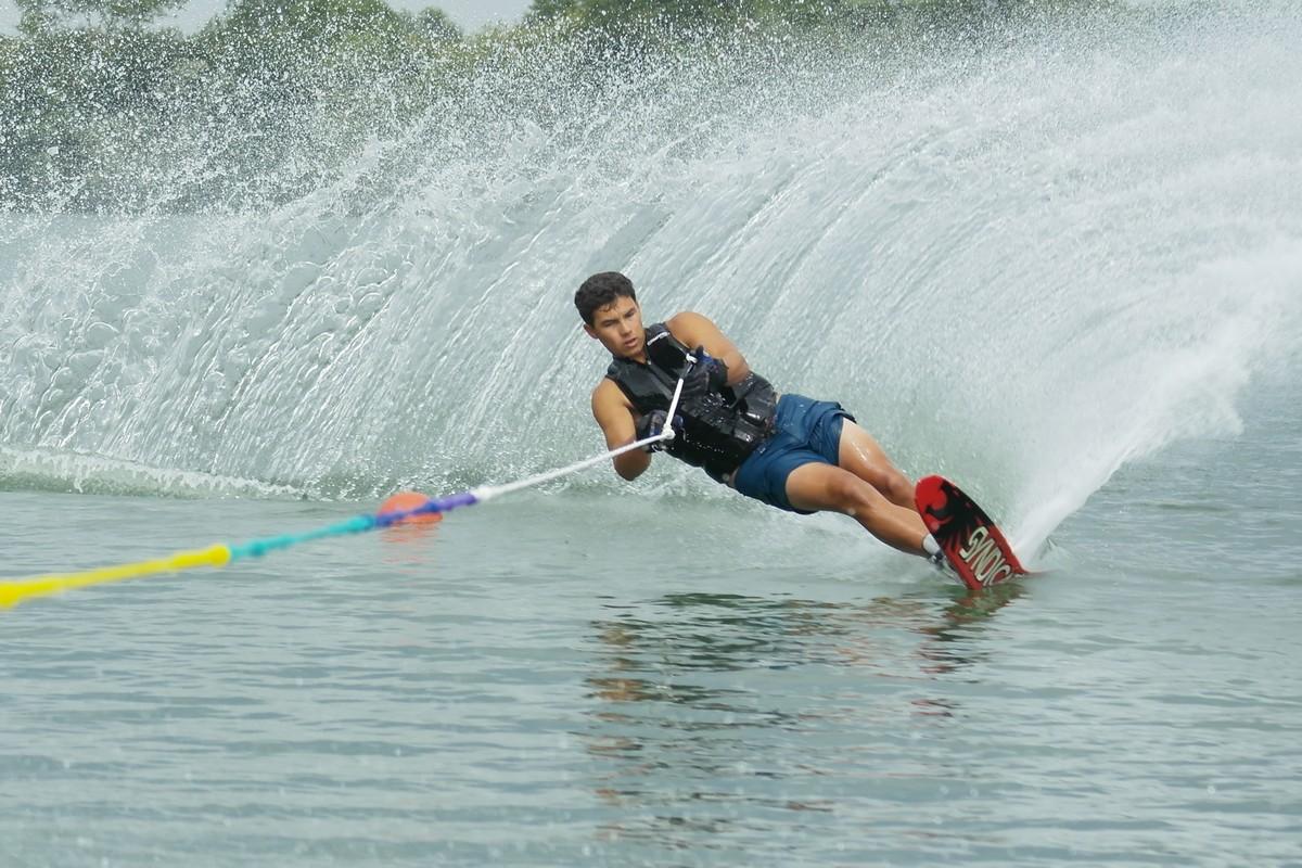 club de ski nautique de m u00e2con